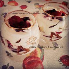 Coppa Yogurt e Frutti di Bosco   RIcetta su > http://cakepuccino.it/coppa-con-crema-di-yogurt-e-frutti-di-bosco/  #yogurt #berry #fruttidibosco #food #foodporn #foodblogger #dessert #recipes