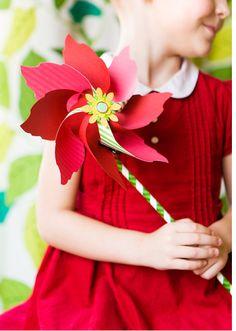 Flower Pinwheel Flower Crafts, Diy Flowers, Fabric Flowers, Paper Flowers, Pinwheel Tutorial, Diy Pinwheel, Paper Toys, Paper Crafts, Diy Crafts