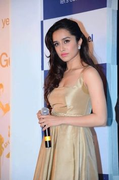 "Photo: Shraddha Kapoor is fulfilling her work with a continuous 72-hour stretch: Shraddha,who is currently filming for her upcoming next ""Baaghi"" in Bangkok, shot throughout the night and left directly for the airport to be back in the city for a few hours.The actress landed in the city and headed straight to a press conference for a brand, followed by two meetings, according to a source. She returned to Bangkok, where she is to continue the day's schedule for the film.   #ShraddhaKapoor…"