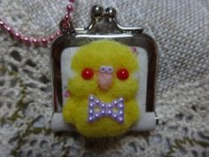 Tsuku Tsuku Bun / Mini Metal Frame Coin Purse with the needle felted Budgie