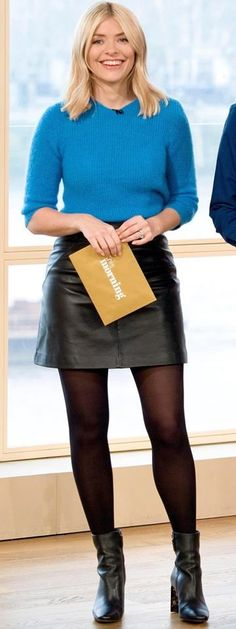 Skirt black tights curves New Ideas Nylons, In Pantyhose, Black Leather Skirts, Black Tights, Opaque Tights, Holly Willoughby Legs, Holly Willoughby Outfits, Secretary Outfits, Black Stockings