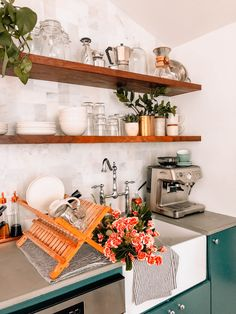 Mornings in the Guest House + Life Updates - #openshelving #remodel #kitchenette #whitetile