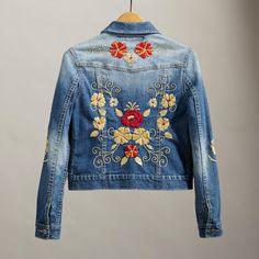BLOSSOMS & BLUES JACKET: View 2 Embroidered Denim Jacket, Embroidered Clothes, Denim Fashion, Boho Fashion, Estilo Jeans, Mode Jeans, Denim Ideas, Jackett, Ideias Fashion