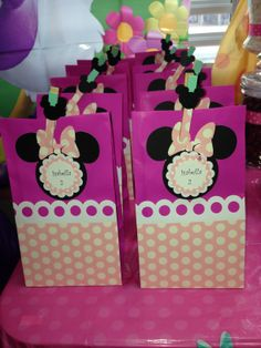 photo (2) bolsitas para dulces del motivo de Minnie.  By Denise Scraps