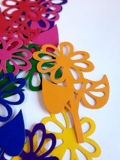 Best 12 Flower Die Cut Out ( Spring Decoration, Card Making Supply, Scrap Booking, Confetti , Collages ) Spring Decoration, Party Decoration, School Decorations, Paper Birds, Paper Flowers, Wooden Crafts, Paper Crafts, Diy Crafts, Card Making Supplies