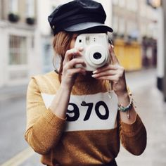 Hats are hard. You've got to have a particularly well-behaved, nicely-shaped head to pull one off in most cases which is why we're normally a little love s. Outfits With Hats, Fall Outfits, Cute Outfits, Fashion Outfits, Fashion Trends, Fashion Hats, Fashion Advice, Womens Fashion, Beige Outfit