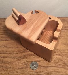 Bandsaw puzzle box made from a solid block of maple with an oak bottom and sapele heart shaped key. Woodworking Items That Sell, Woodworking Box, Woodworking Patterns, Woodworking Projects, Woodworking Videos, Bandsaw Projects, Wooden Projects, Wooden Puzzle Box, Woodworking Enthusiasts