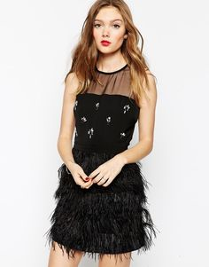 Aryn K Sleeveless Dress With Feather Skirt  Was: 253.12$ Now: 174.25$