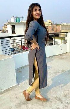 Punjabi dress Beautiful Dresses For Women, Stylish Dresses For Girls, Beautiful Blonde Girl, Beautiful Girl Photo, Beautiful Girl Facebook, Desi Girl Image, Dehati Girl Photo, Girl Fashion Style, Cute Little Girl Dresses