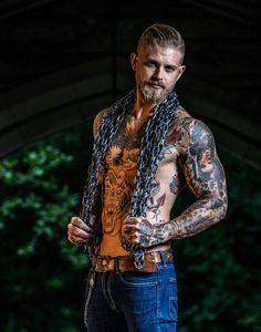 Hello here is Josh Mario John. Check out this Vato Ink Guy on Facebook https://m.facebook.com/joshmariojohn?__user=100003479907283 Instagram @vatoinkmen @spizoiky #tattooguys #tattooguysdoitbetter
