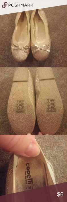 Flats Adorable gold flats size 1 with gold now never worn excellent condition Capelli of New York Shoes Dress Shoes