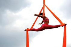 ooo what is this called? Aerial Acrobatics, Aerial Dance, Aerial Silks, Flexibility Dance, Flexibility Workout, Aerial Hammock, Aerial Yoga, Aerial Gymnastics, Silk Dancing
