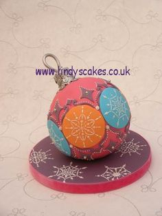 Christmas Bauble Cake by Lindy Smith.  Learn How to Decorate Cakes - Visit Online Cake Decorating Classes on http://CakeDecoratingCoursesOnline.com