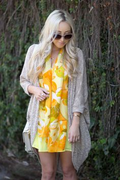 Scarf by www.thescarfshop.com. Look by https://www.pinterest.com/hayleylaruegeer/ #thescarfshop #silkscarves #scarves