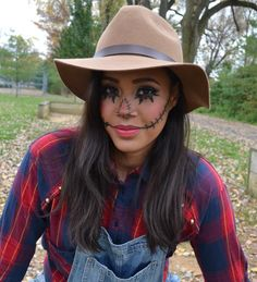 Like this face paint if we do scare crow costumes for Halloween. Scarecrow Face Paint, Scarecrow Halloween Makeup, Halloween Costumes Scarecrow, Cute Costumes, Costumes For Women, Costume Ideas, Adornos Halloween, Scare Crow, Schuster