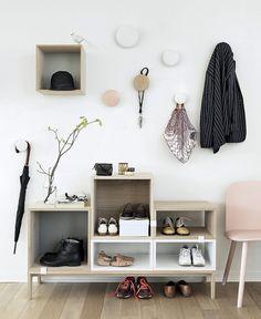 Great hallway storage (Femina) barefootstyling.com
