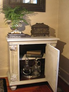 Side Table/Night Stand  Annie Sloan Chalk Paint  1/2 French Linen & 1/2 Old White