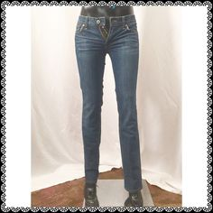 LUCKY BRAND Distressed Jeans Size 2/26 Inseam is about 30 1/2 inches. Lucky Brand Jeans Straight Leg