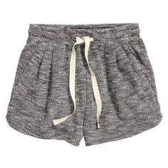 H&M Short sweatshirt shorts ❤ liked on Polyvore featuring shorts, pleated shorts, micro shorts, micro short shorts, h&m shorts and hot pants