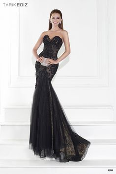 Trajes de noche: El negro (pase lo que pase) siempre es tendencia #trajesdenoche #vestidosdefiesta #moda #tendencias #estilo
