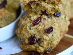 These amazing Zucchini Carrot Oatmeal Cookies are packed full of zucchini, carrots, oatmeal, dried cranberries, and coconut! All the good stuff! The perfect after school snack! Zucchini Oatmeal Cookies, Carrot Cookies, Oatmeal Cookie Recipes, Raisin Cookies, Zucchini Muffins, Breakfast Biscuits, Breakfast Cookies, Breakfast Ideas, Sin Gluten