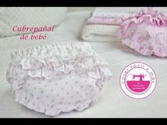 How to make a diaper cover, with patterns included Diaper Cover Pattern, Ruffle Diaper Covers, Love Sewing, Sewing For Kids, Kids Patterns, Sewing Patterns, Crochet Projects, Sewing Projects, Couches