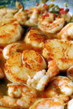 Key Lime Shrimp and Scallops - Fantastic Key Lime Recipes - A Family Feast Lime Recipes, Shrimp Recipes, Shrimp And Scallop Recipes, Fennel Recipes, Recipies, Recipes Dinner, Shrimp Dishes, Fish Dishes, Snacks