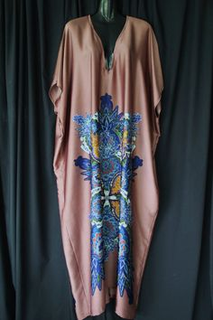 Classic Full length Silk Kaftan Dress by MollyKaftans on Etsy Long Kaftan Dress, Silk Kaftan, Maxi Dress With Sleeves, African Print Fashion, African Fashion Dresses, African Dress, Mode Abaya, Arab Fashion, Oriental Fashion