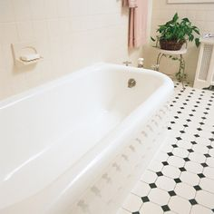 Photo: David Carmack   thisoldhouse.com   from Refinish Your Cast-Iron Tub