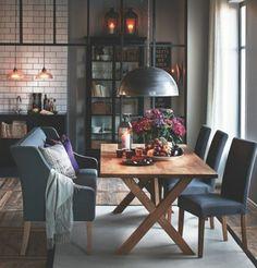 déco salle à manger chic avec fleurs, design contemporain et magnifique