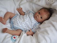 "LOUIS @ Alexandra's Babies by Artist Alexandra Taylor-Hughes :: ""Livia"" Sculpt by Gudrun Legler (Photo Reborn Dolls, Reborn Babies, Little Babies, Cute Babies, Fake Baby, Realistic Baby Dolls, Newborn Baby Dolls, Beautiful Dolls, Christening"