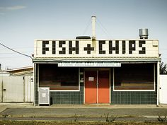 Creative Signage, Wayfinding, Fish, Chips, and Sign image ideas & inspiration on Designspiration Casa Art Deco, Takeaway Shop, Wayfinding Signage, Store Signage, Brick And Mortar, Shop Fronts, Environmental Graphics, Fish And Chips, Grafik Design