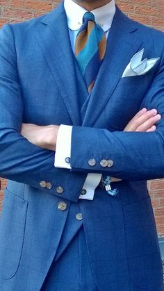 http://chicerman.com  kleidsam:  The new three pc blue Prince of Wales suit by suitsupply - topped with a vintage woolen tie a golden collar pin and flowery cufflinks.  #MENSUIT #TAILORSUIT