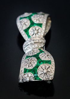 Vintage Art Deco Diamond Emerald Platinum Bow Brooch - Antique Jewelry | Vintage Rings | Faberge Eggs