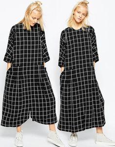 Imagen 1 de Mono estilo vestido extragrande con estampado de cuadrícula de ASOS WHITE http://blogdivine.com/2016/07/18/oversize/