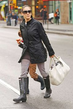 Sarah Jessica Parker is often seen wearing her various pairs of Hunter boots in…
