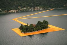 Christo . The Floating Piers . Lake Iseo (5)