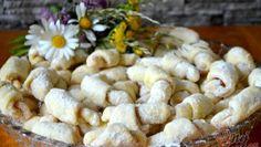 Smetanové rohlíčky z kynutého těsta bez čekání na vykynutí – RECETIMA Slovak Recipes, G 1, Easy Desserts, Cereal, Garlic, Nutella, Stuffed Mushrooms, Baking, Vegetables