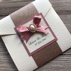 Glitter Wrap Pocketfold Wedding Invitation Holly by CanIDoUAFavour Indian Wedding Cards, Wedding Cards Handmade, Handmade Wedding Invitations, Wedding Stationery, Pocketfold Invitations, Wedding Invitation Samples, Gold Invitations, Snowflake Wedding, Glitter Wedding