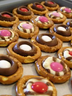 Chocolate pretzel buttons for valentine's day