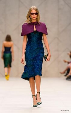 Photo feat. Cara Delevingne - Burberry Prorsum - Spring/Summer 2013 Ready-to-Wear - london - Fashion Show | Brands | The FMD #lovefmd