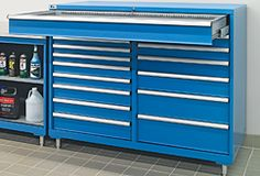 Lista Combination cabinets: Available with a choice of bases