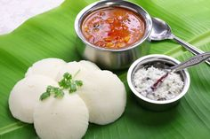 Idli Sambhar with coconut chutney