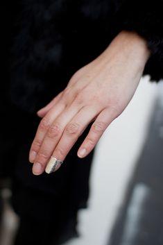 anillo uña