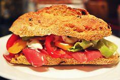 Sandwiches, Drink, Chicken, Ethnic Recipes, Food, Beverage, Essen, Meals, Paninis