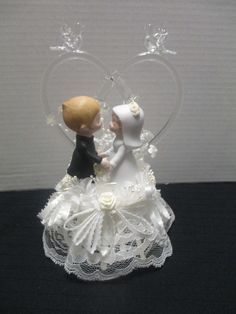 Vintage Ceramic Bride Groom Wedding Cake Topper Hand Blown Glass Arch Doves