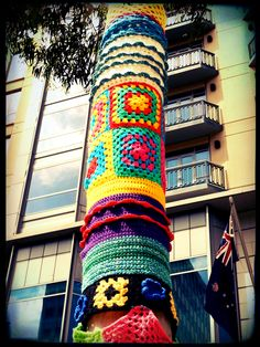 make some granny squares so I can do this to the telephone pole outside of my house :D
