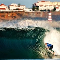 Supertubos @ Peniche - PORTUGAL. Atlantic waves 365 days per year to surf