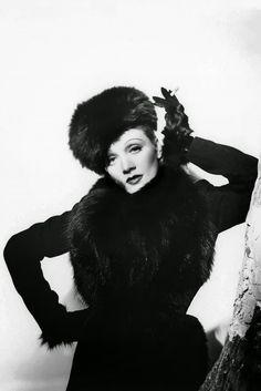 Marlene Dietrich in Schiaparelli: Cecil Beaton