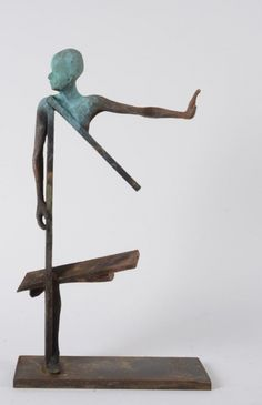 São Mamede - Galeria de Arte Jesus Curiá Cuatro - 142)04 2013 Bronze 49 cm x 29 cm x 12 cm